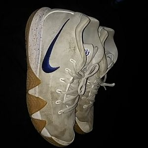 "Nike Kyrie 4s ""Uncle Drew"""